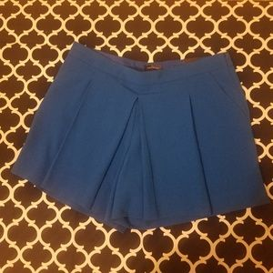 The limited shorts size 6 NWT
